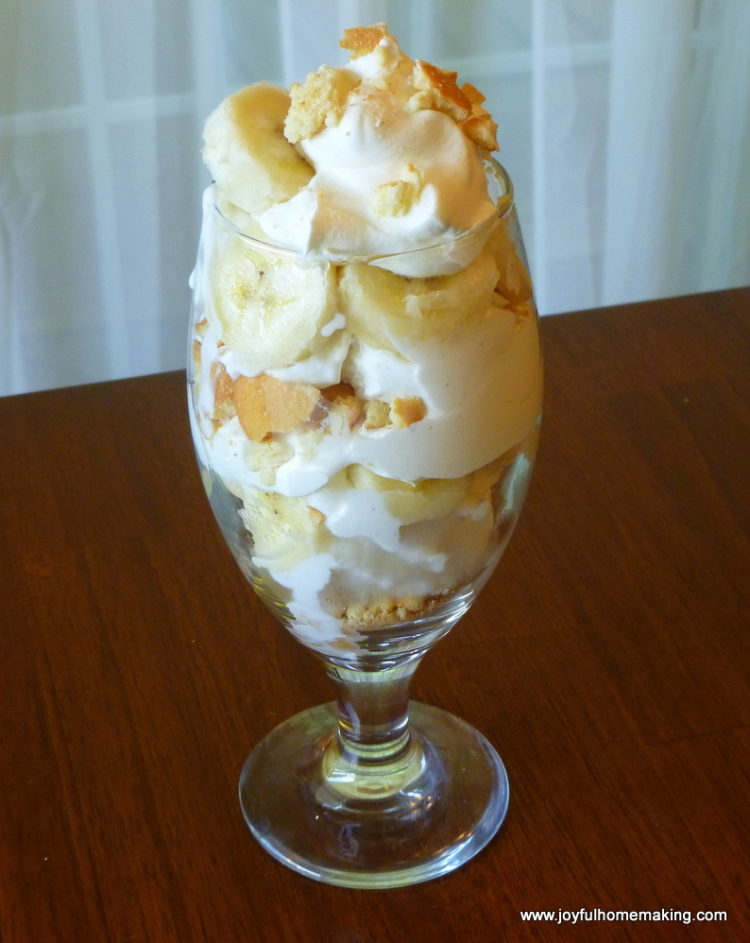 http://joyfulhomemaking.com/2012/06/banana-vanilla-wafer-icecream-trifle.html