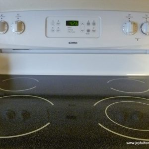How to Clean a Stove Top Made of Glass