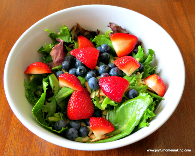 Copycat Berry Almond Salad