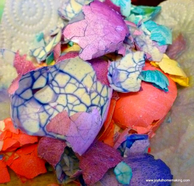 Crackle Color Easter Eggs, Pretty Crackle Easter Eggs, Joyful Homemaking
