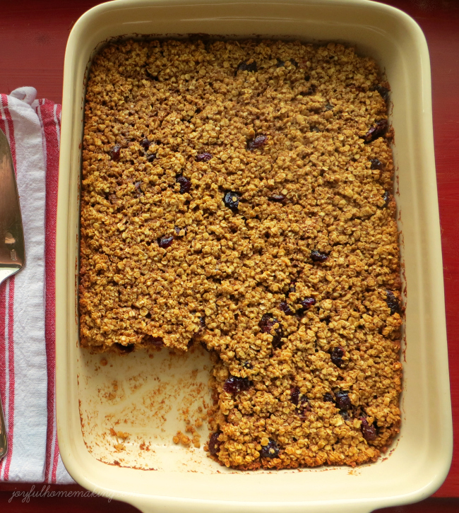 Baked oatmeal with cranberries