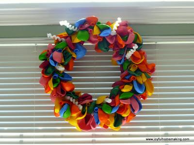 Balloon Wreath Decor, Joyful Homemaking