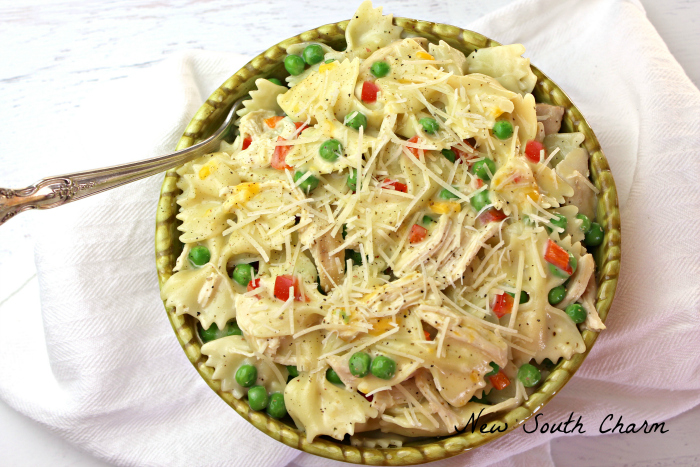 Creamy Chicken and Garlic Pasta