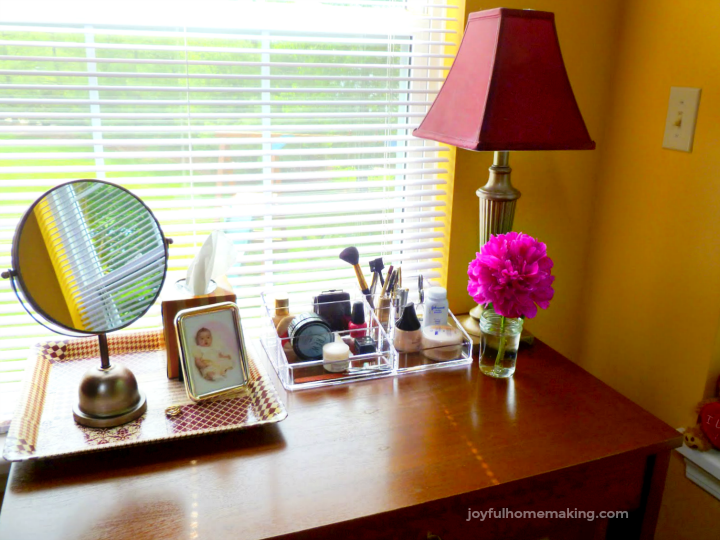 , Setting Up a Vanity,