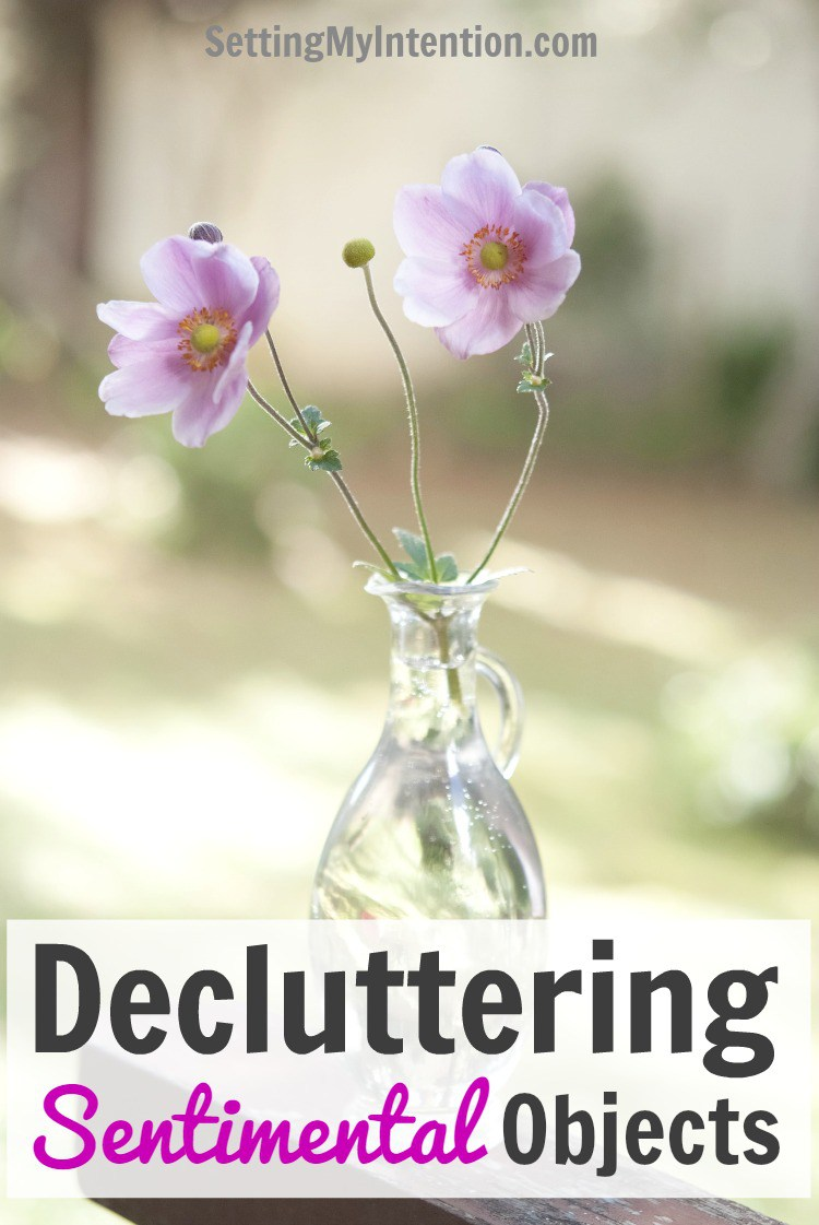 decluttering-sentimental-objects