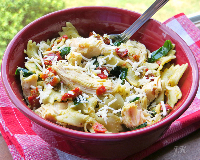 Pesto and Sundried Tomato Pasta Salad