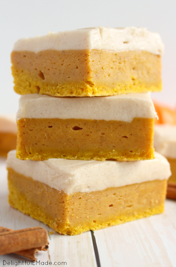 pumpkin-spice-sugar-cookie-bars-delightfulemade-com-vert1