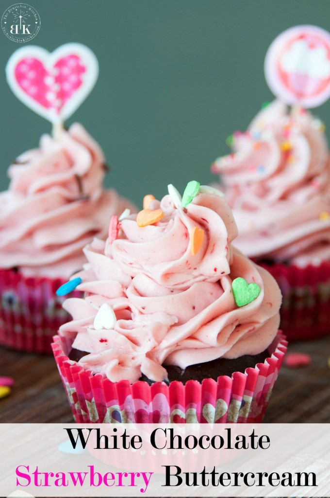 White-Chocolate-Strawberry-Buttercream-frosting-recipe