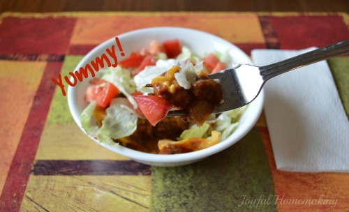 https://joyfulhomemaking.com/2014/05/corn-chip-chili-bowl.html