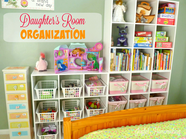 daughter's room organization2