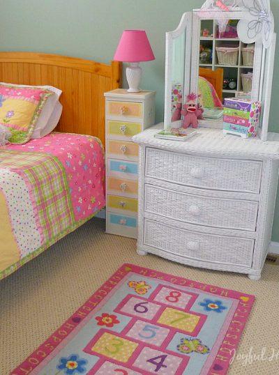 , Daughter's Room Organization Part 2, Joyful Homemaking