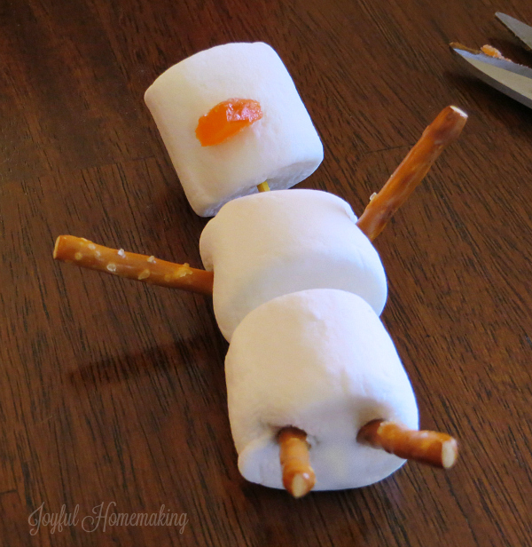 hot cocoa marshmallow snowman3