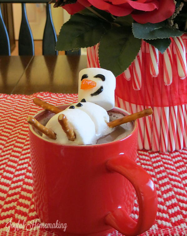 hot cocoa marshmallow snowman4