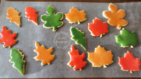 leaf cookies with fall colors, Leaf Cookies with Autumn Colors, Joyful Homemaking