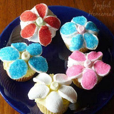 Gorgeous Edible Flower Cupcakes
