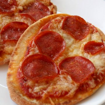 Naan Bread Pizzas, Joyful Homemaking