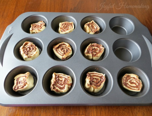 nutella cinnamon rolls8