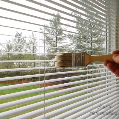 how to clean window blinds easily
