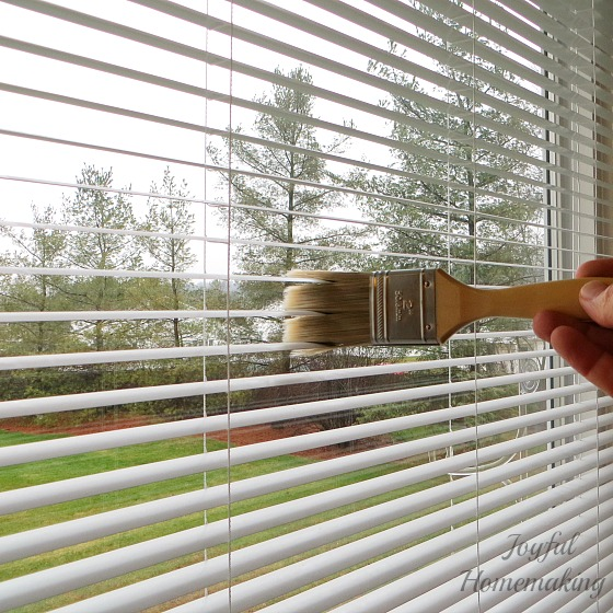 Easy way to dust mini blinds