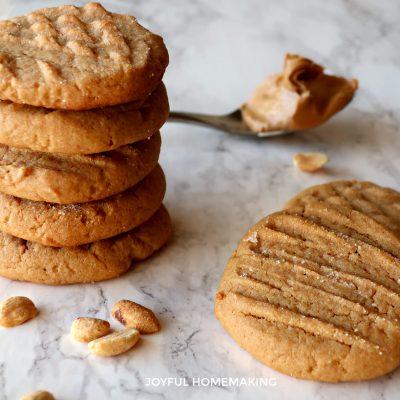 Chewy Moist Peanut Butter Cookies