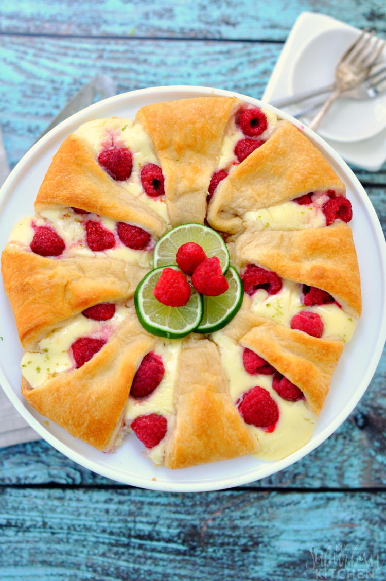 raspberry-cheesecake-crescent-ring-16