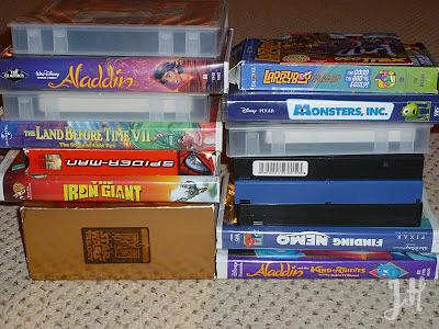 gettting rid of clutter, Organizing Around the House, Joyful Homemaking